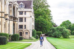 Journée portes ouvertes des universités pour trouver sa future école au Royaume-Uni